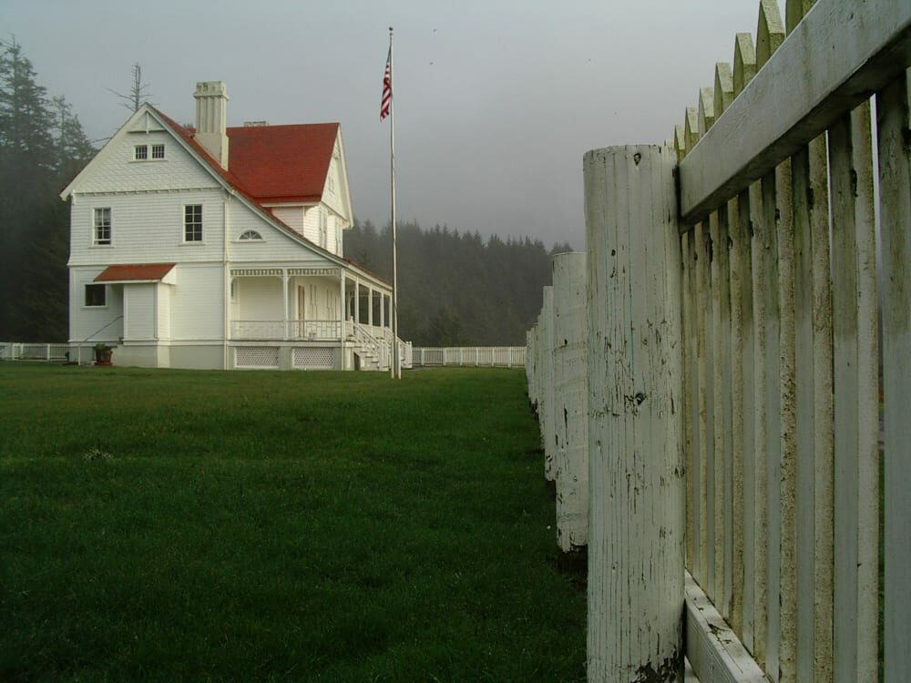 The Oregon Coast: A Winter Odyssey, Heceta Lighthouse B&B
