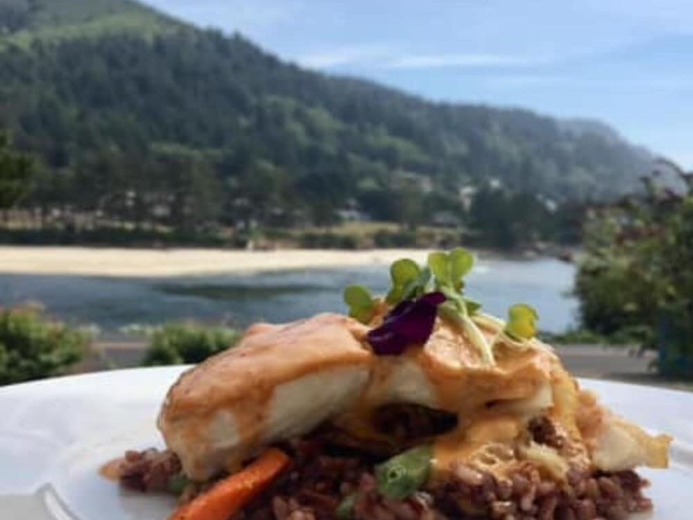 Ona Restaurant and Lounge Receives Recognition from The Register Guard, Heceta Lighthouse B&B